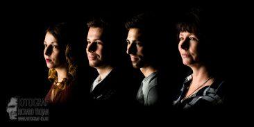 studiofoto, schwarzer-hintergrund, familienfoto
