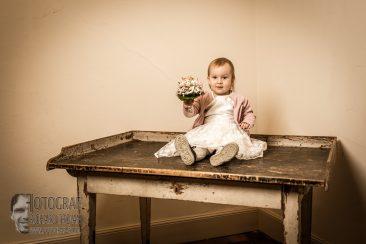 hochzeitsfotografie, knd mit Brautstrauss, kind bei der hochzeit, hochzeitsfotograf richard trojan